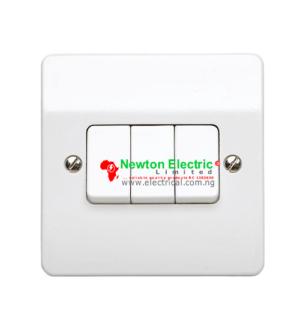 MK Electric Logic Plus 3gang 2way Switch K4873WHI